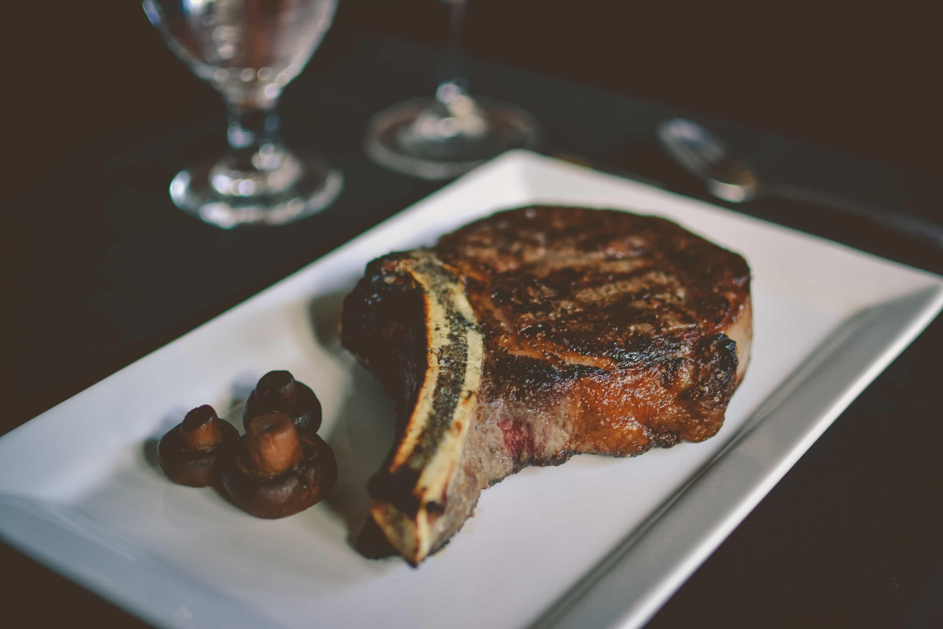 menomonee falls steakhouse- johnny manhattan's